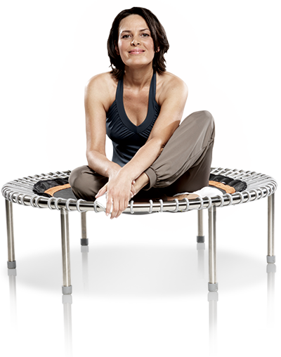 Eine FrauTrain your pelvic floor muscles on the bellicon® sitzt auf dem bellicon®