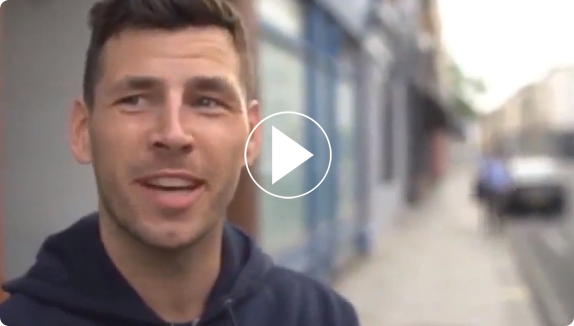 Professional boxer Darren Barker recommends bellicon®, video play symbol
